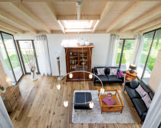Gerade mit dem Traditionsbaustoff Holz lassen sich modernde Raumwelten realisieren,...
