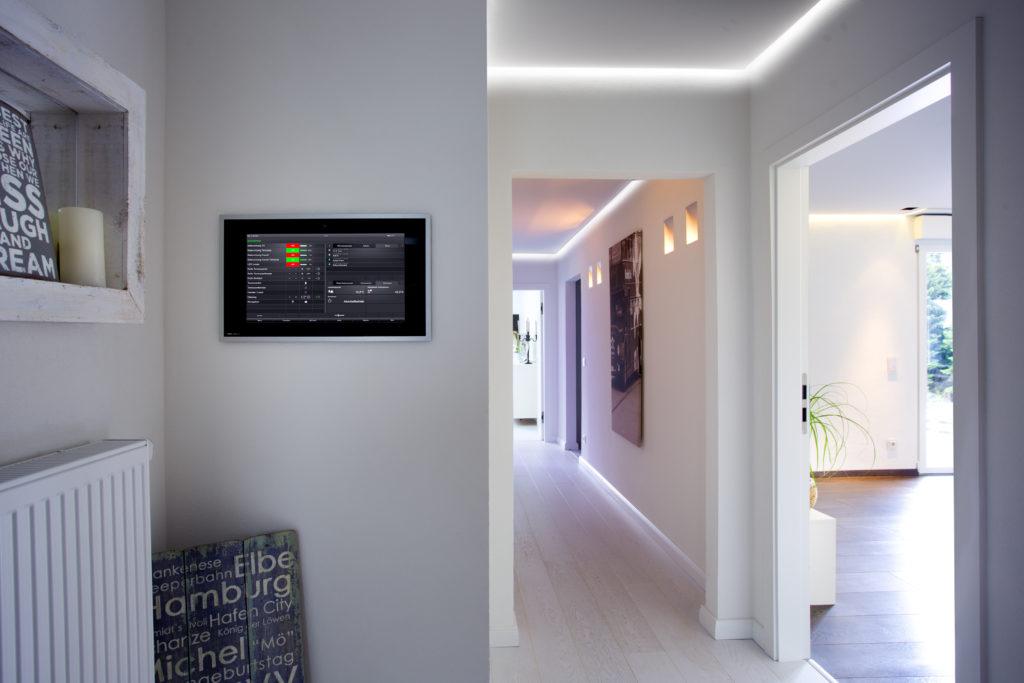 Die Haustechnik ist intelligent über ein KNX System verknüpft – für mehr Komfort, Sicherheit und Flexibilität in der Zukunft.