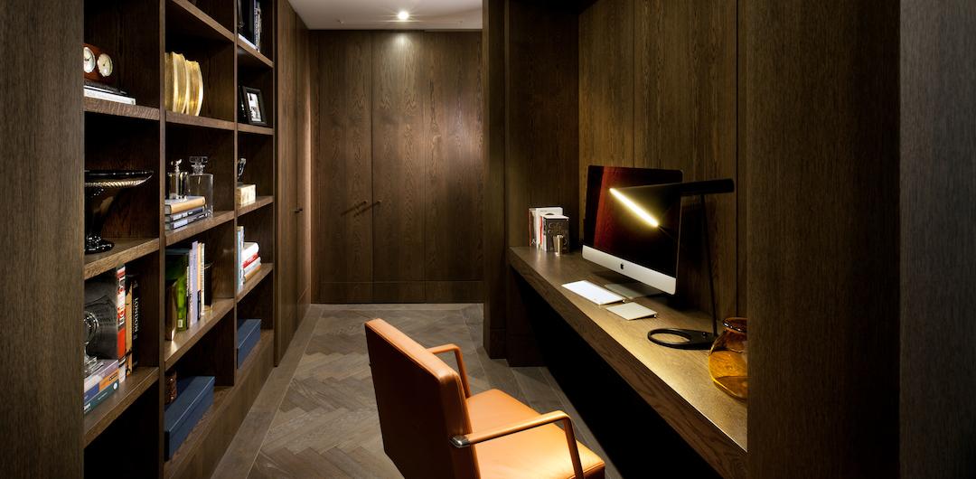 Das Interieur entwarf das renommierte Büro 1508 London - hier passen die edlen Taster von Basalte bestens ins Bild